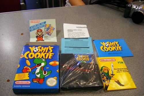 Yoshi's Cookie nuevecito, con su precinto de plástico y todos los panfletillos de Nintendo