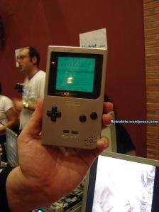 Ahora ponle colores y ya tienes una Game Gear.